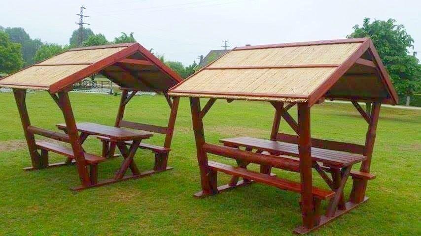 Rönkfa bútor nádtetővel INGYEN kiszállítás és összeszerelés